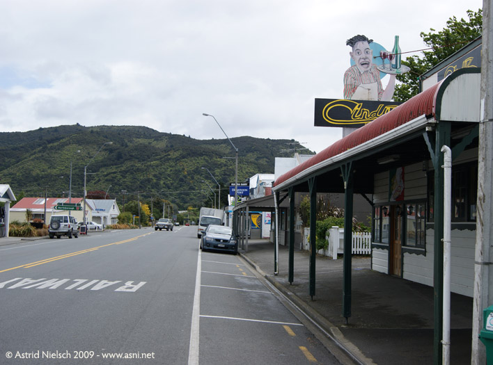 image: downtown Featherston
