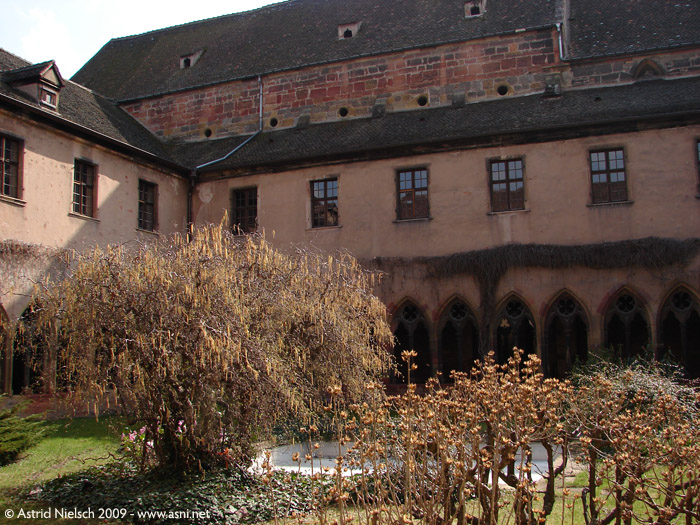 inspiration: courtyard in Colmar, photo