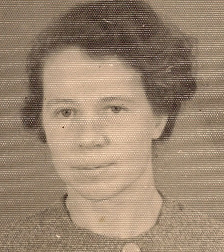 Edith Schnickwald, passport photo 1939