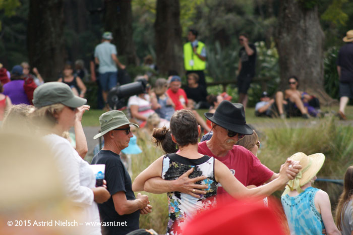 Happy crowds at WOMAD Taranaki 2015