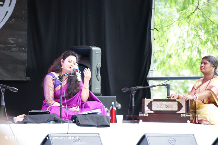 Meeta Pandit performs at WOMAD Taranaki 2015